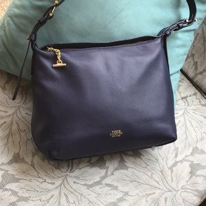 Beautiful Vince camuto navy blue leather x body